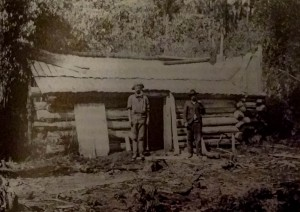Dick Brown and George Francis, of Middlesex Station, renovating the log hut at the Black Bluff gold mine to accommodate Walter Malcolm Black, 1905. RE Smith photo courtesy of Charles Smith,