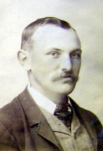 William Dubrelle Weston, aka 'Peregrinator'. Photo from the Launceston Family Album, courtesy of the Friends of the Launceston LINC.