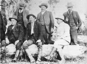 Tom and William Murray (centre at back), with Thomas Bather (TB) Moore seated at front on the left, Balfour, 7 November 1909. The others include Speedy, Dunne, surveyor KM Harrisson, and Inspector Harrison Langford (see TB Moore diaries, TMAG).